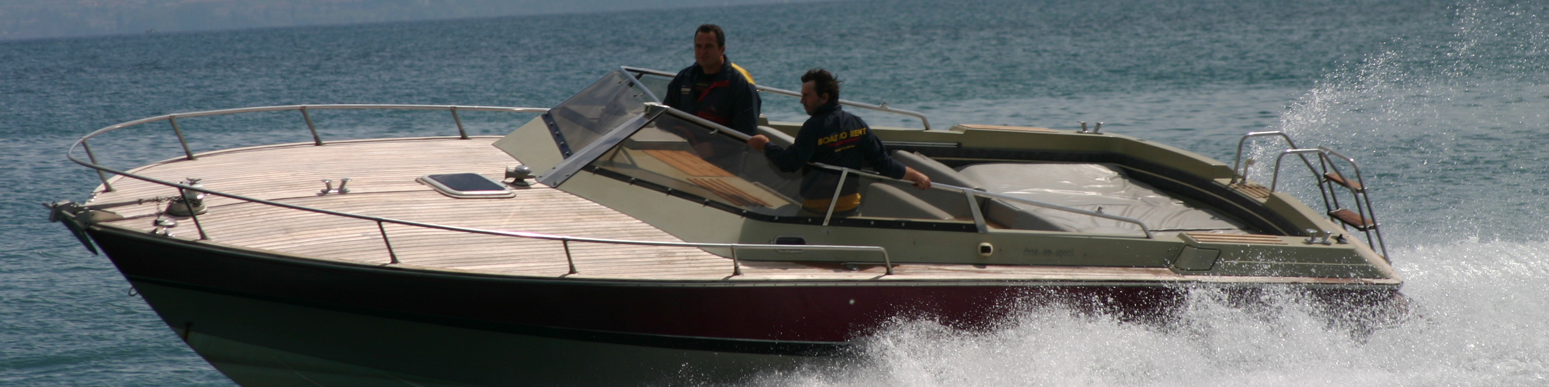 Per scoprire il lago di garda noleggi una imbarcazione da rappydrive